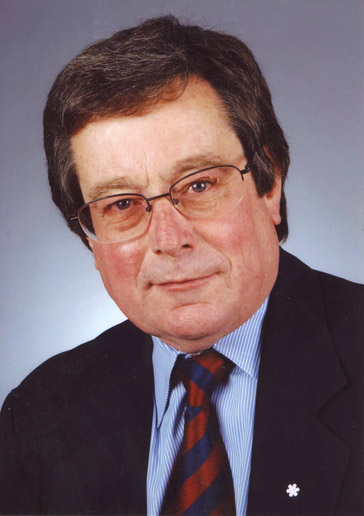 Hall of Famer PAUL BEESTON